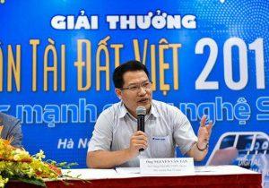 Ông Nguyễn Văn Tấn - Phó Tổng Giám đốc Tổng công ty Truyền thông VNPT-Media, Phó Trưởng Ban Tổ chức Giải thưởng, đại diện Tập đoàn VNPT chia sẻ về sự đồng hành của VNPT đối với các thí sinh dự thi NTĐV 2019