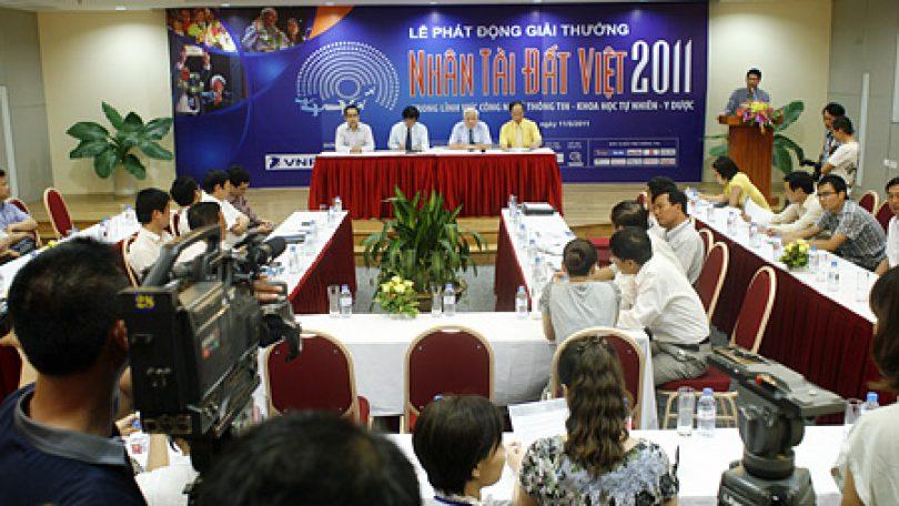 Danh sách các sản phẩm đoạt giải Nhân tài Đất Việt năm 2015